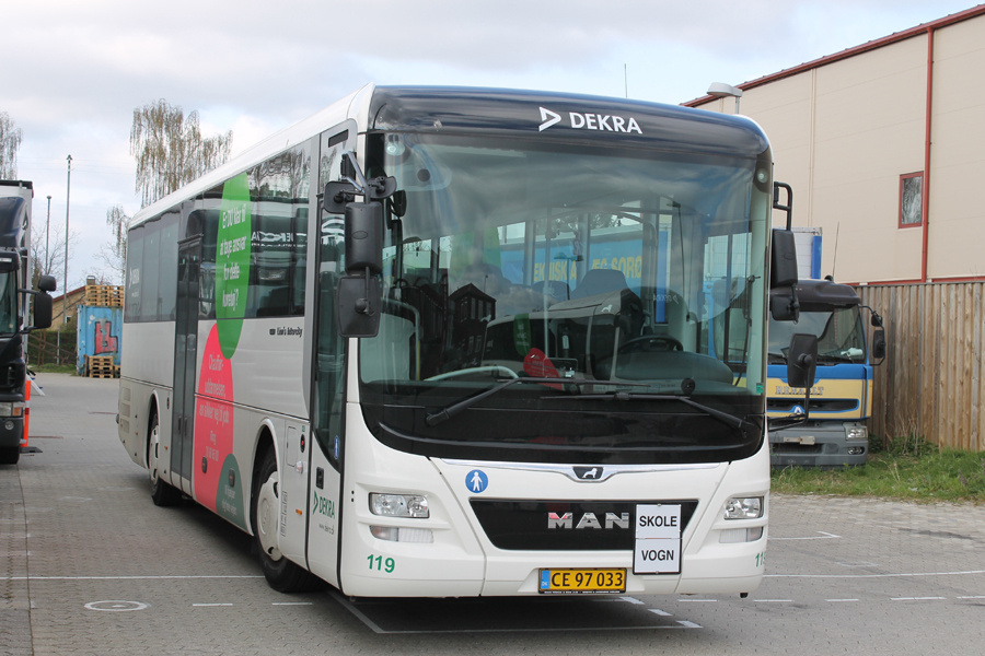 Dekra 119/CE97033 ved Kirkebjerg Allé i Brøndby den 11. april 2019