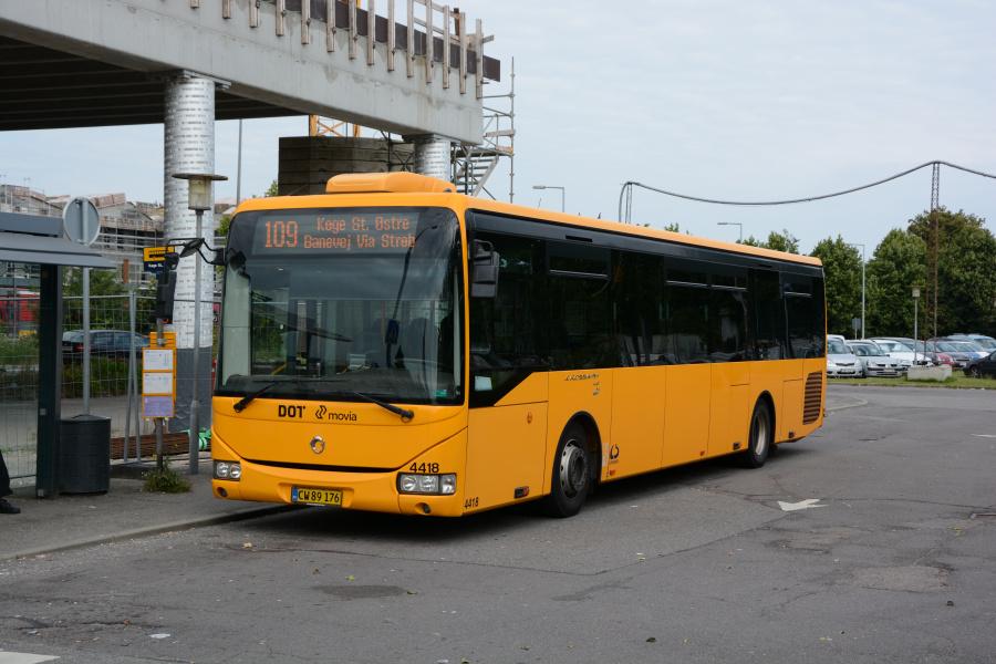Lokalbus 4418/CW89176 på Køge Station den 15. august 2017
