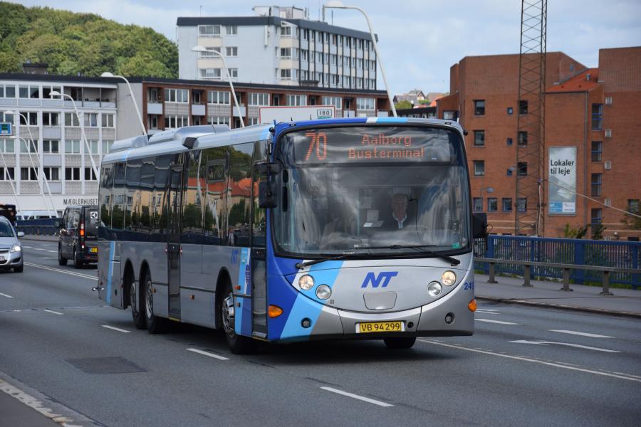 Arriva 2499/VB94299 på Limfjordsbroen i Nørresundby den 26. juni 2017