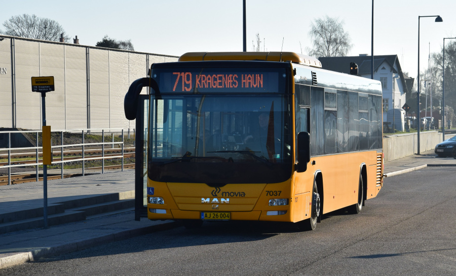 Funchs Turisttrafik 7037/AJ26004 på Nakskov Station den 27. februar 2019