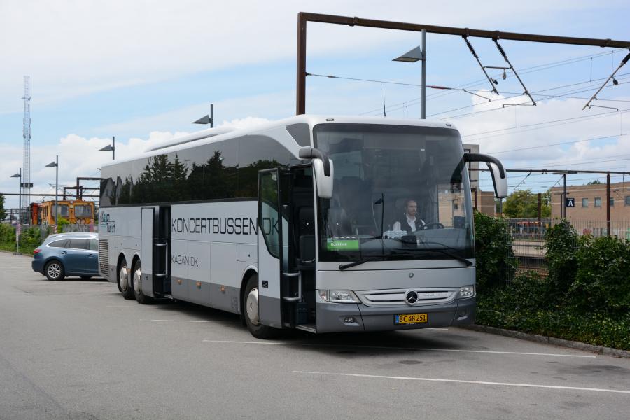 Kagans Turist BC48251 ved Roskilde Station den 26. juli 2017
