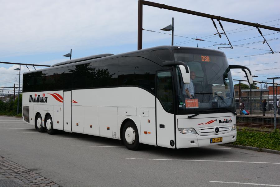 Dania Turist 1/AZ59941 ved Roskilde Station den 26. juli 2017