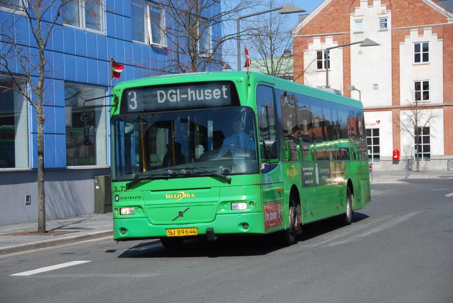 Arriva 3273/SJ89644 på Vejle Trafikcenter den 16. april 2010