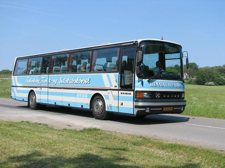 Aakirkeby Turist- og Selskabskørsel UK88523 et sted på Bornholm i 2006