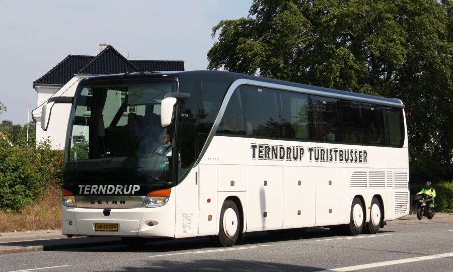 Terndrup Turistbusser XM95239 på Viborgvej i Hasle den 25. juni 2019