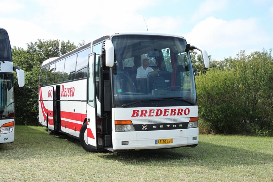 Bingo Rejser AE20178 ved Ribe Vikinge Center syd for Ribe den 17. juli 2019