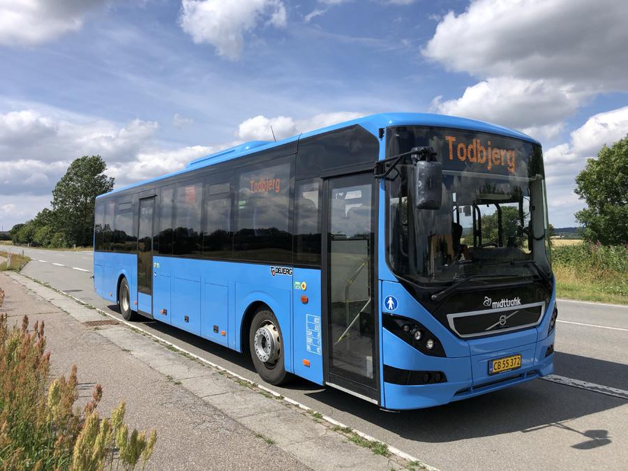 Todbjerg Busser 25/CB55372 ved Låsby den 18. juli 2019