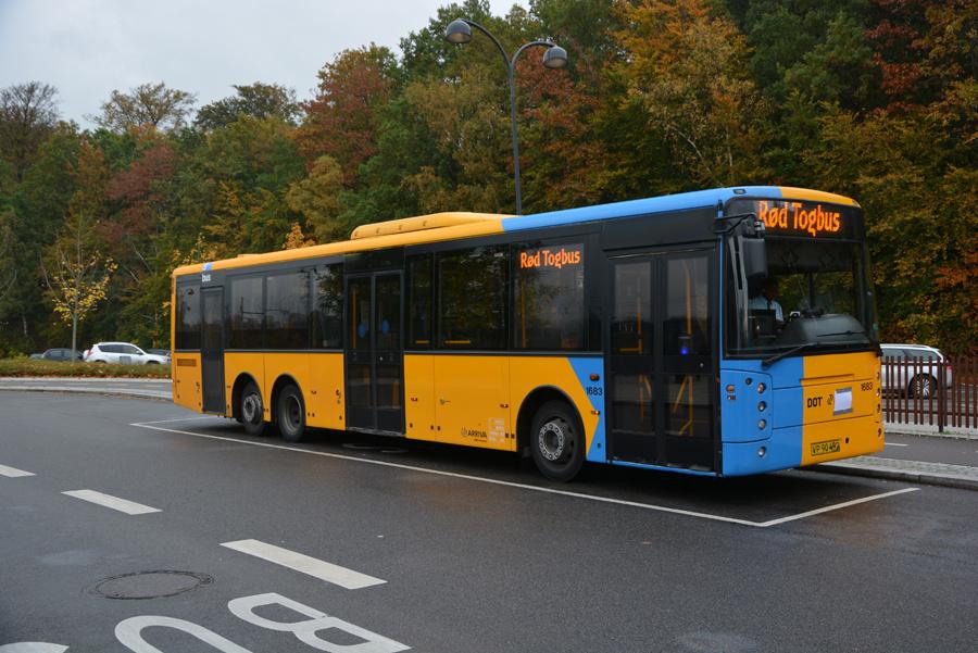 Arriva 1683/VP90492 ved Holte Station den 22. oktober 2017