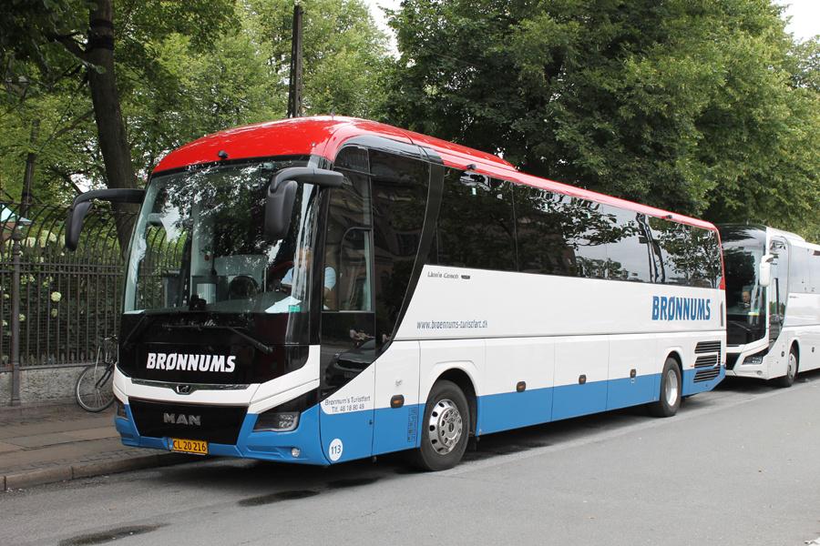 Brønnum 113/CL20216 på H. C. Andersens Boulevard ved Tivoli i København den 18. august 2019