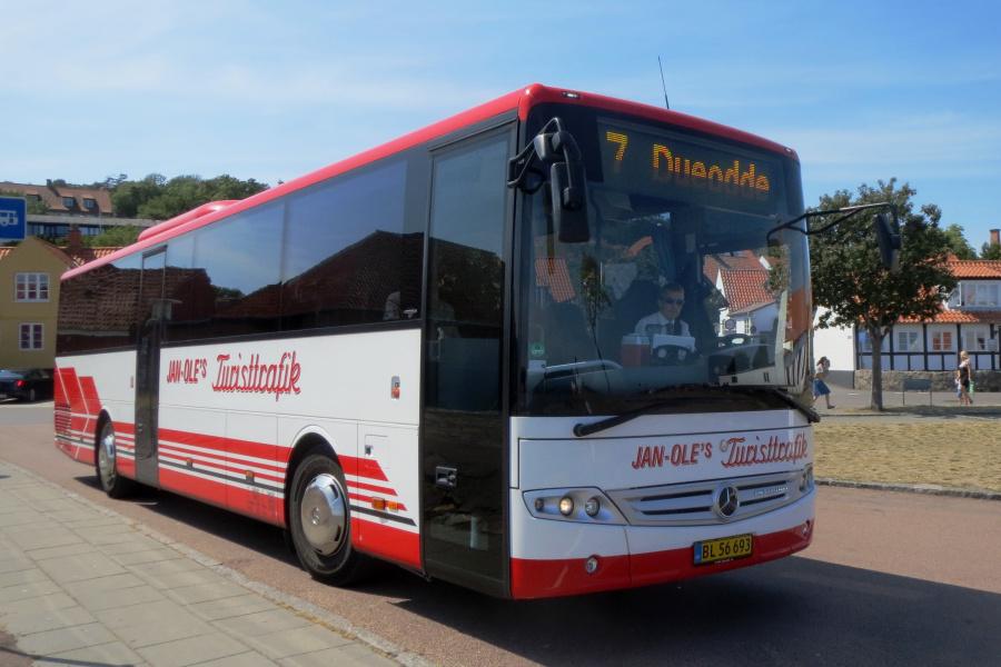 Jan-Oles Turisttrafik BL56693 i Gudhjem den 19. juli 2019