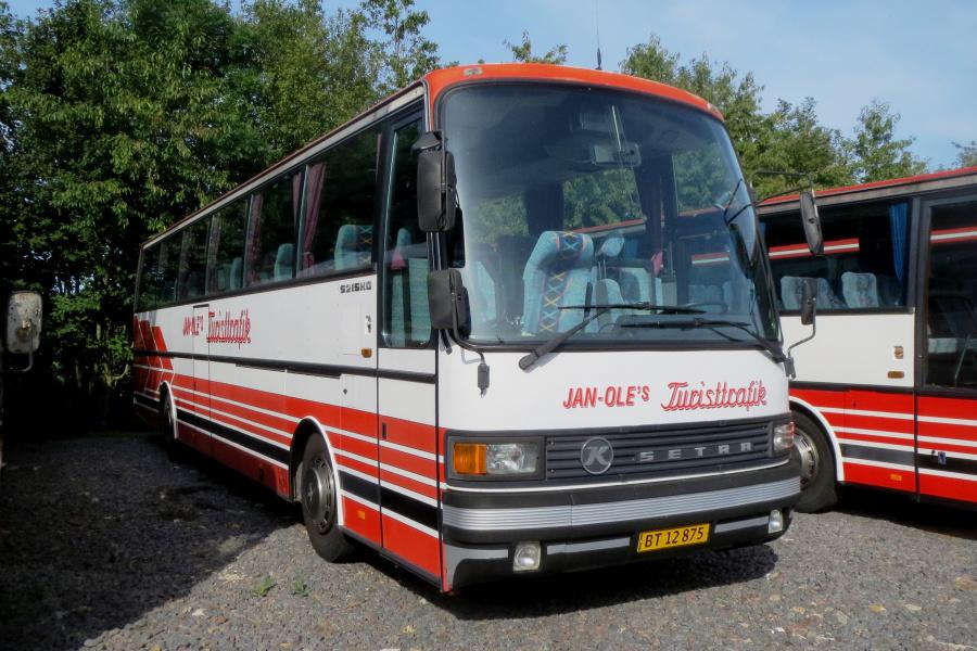 Jan-Oles Turisttrafik BT12875 i Aarsballe den 20. juli 2019