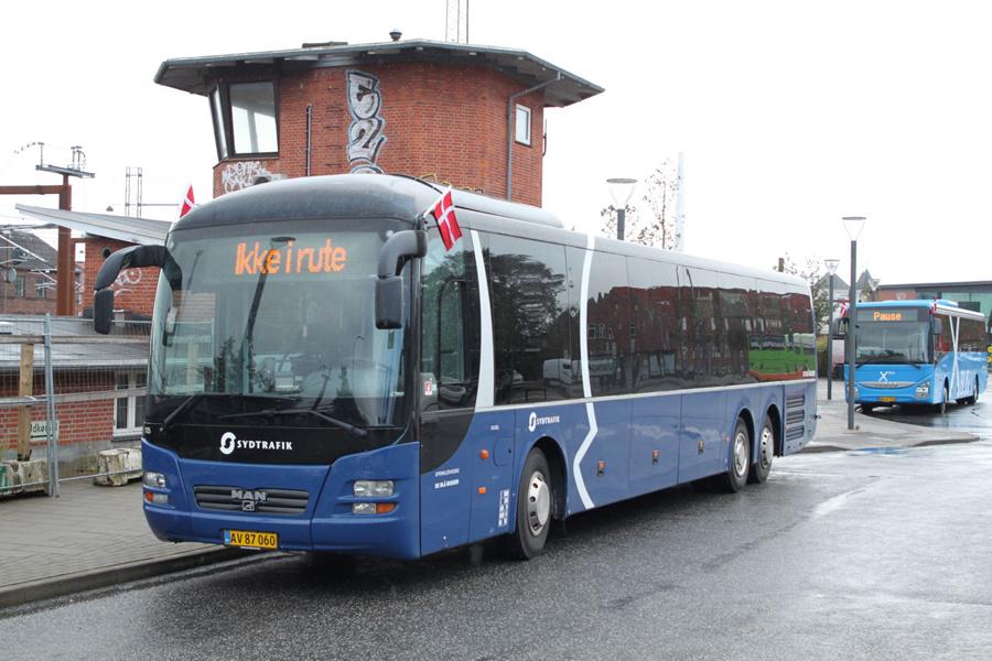 De Blå Busser 105/AV87060 ved Rutebilstationen i Esbjerg den 5. september 2019