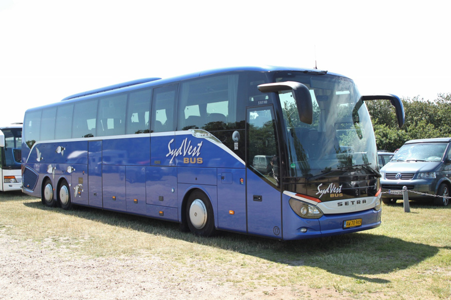 SydVest-Bus 17/AW70965 ved Ribe Vikinge Center syd for Ribe den 10. juli 2019