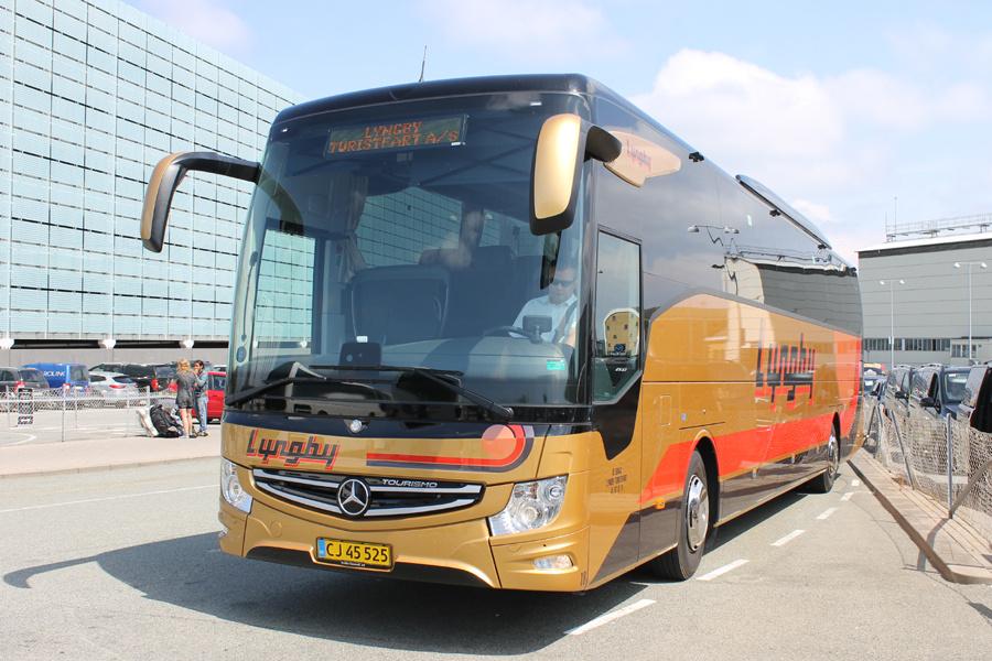 Lyngby Turistfart 18/CJ45525 ved Kastrup Lufthavn den 14. juli 2019