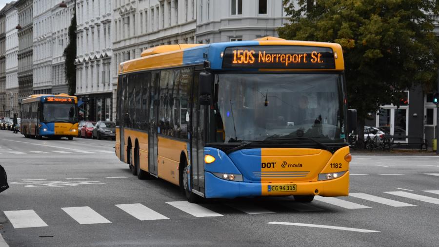 Arriva 1182/CG94315 på Sølvgade i København den 20. september 2019