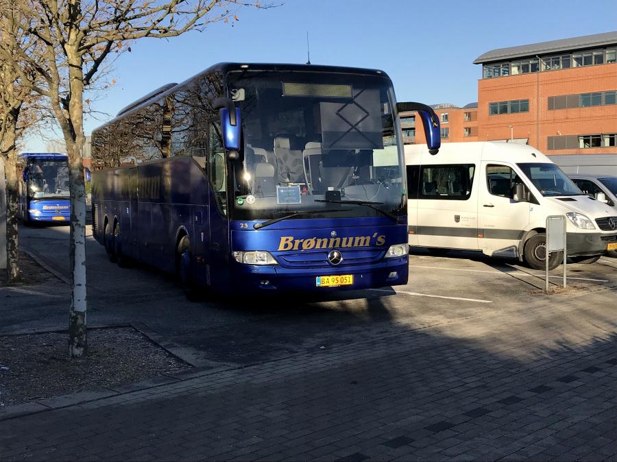 Brønnum 23/BA95051 ved Greve Svømmehal den 27. november 2018.