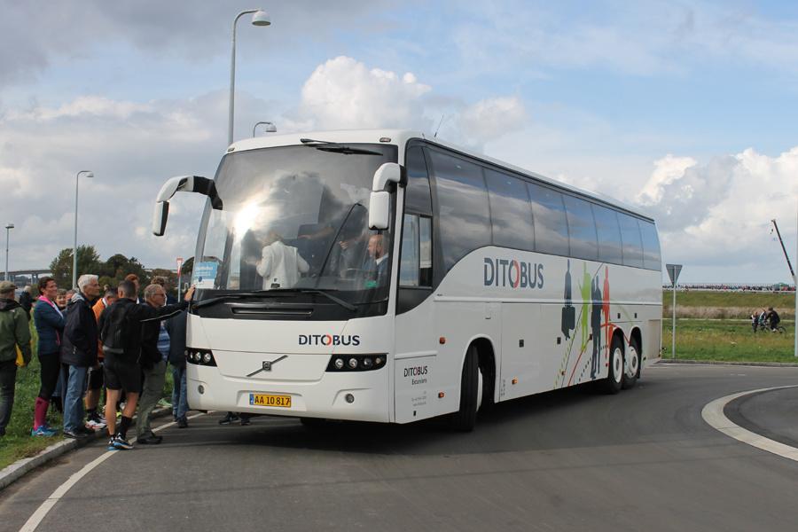 Ditobus 351/AA10817 på Marbækvej i Frederikssund  den 28. september 2019