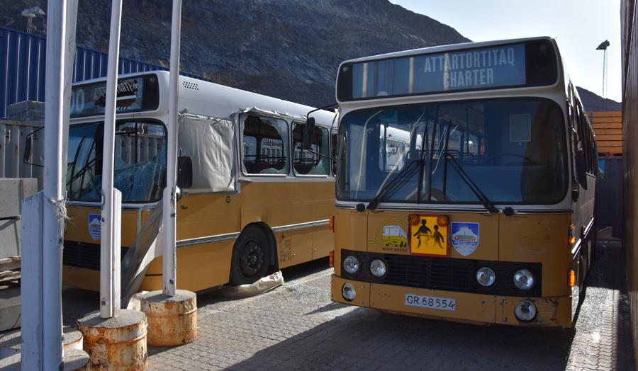Nuup Bussii 03 og 02/GR68554 i Qinngorput i Grønland den 24. september 2019