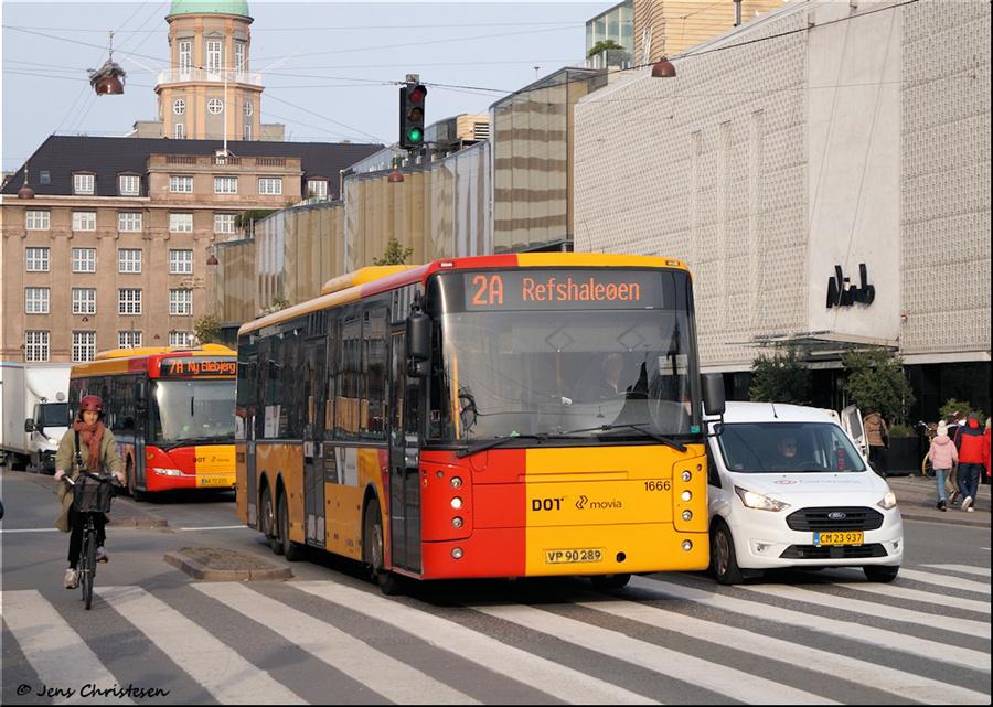 Arriva 1666/VP90289 på Bernstorffsgade i København den 1. november 2019