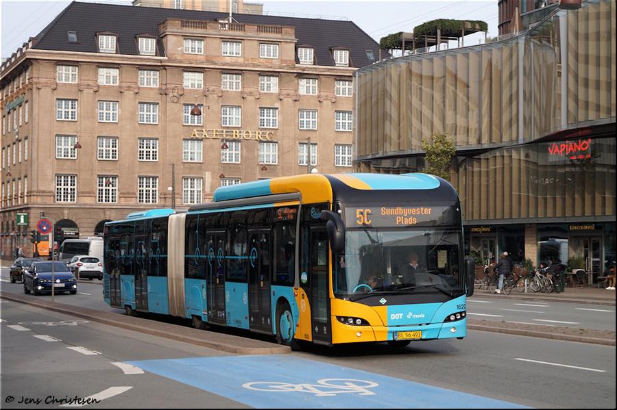 Arriva 1620/BL56491 på Bernstorffsgade i København den 1. november 2019