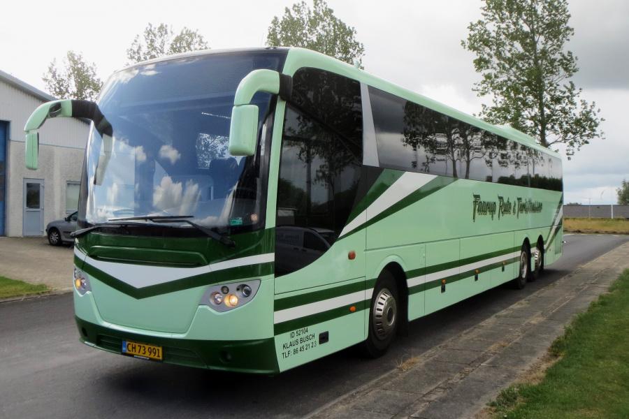 Faarup Rute- og Turistbusser 21/CH73991 ved garagen i Fårup den 3. juli 2019