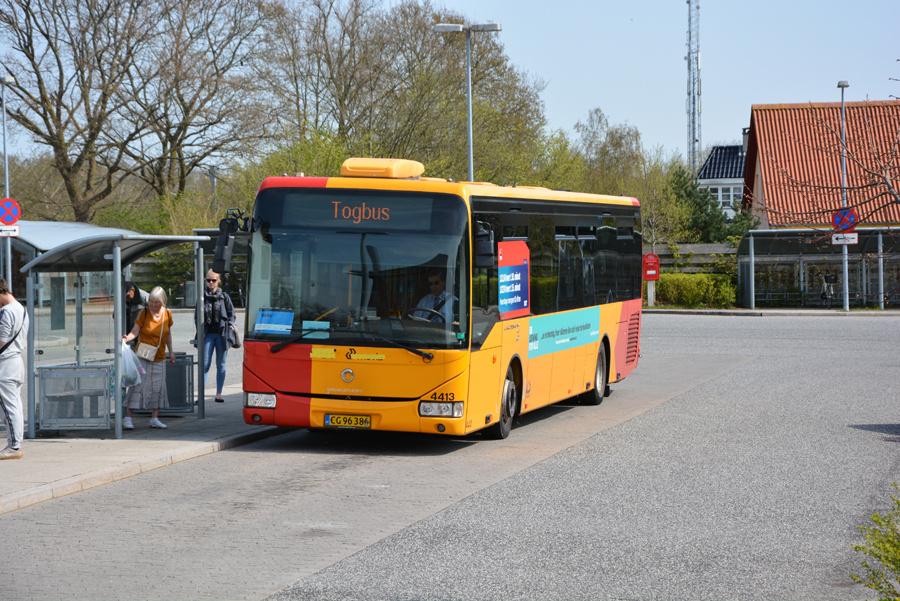 Lokalbus 4413/CG96386 ved Ølstykke Station den 28. april 2018