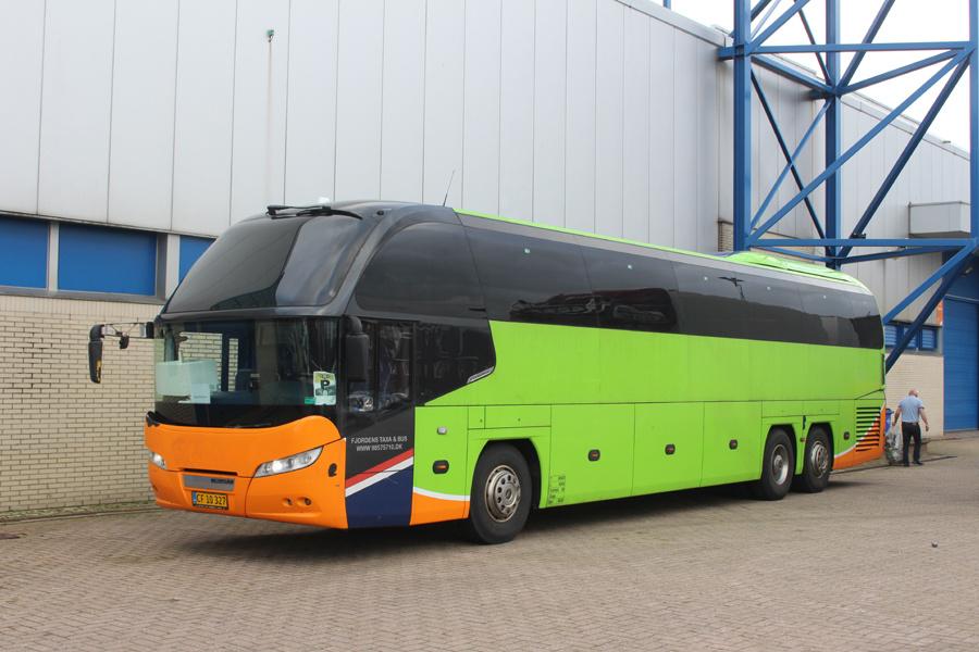 Fjordens Taxa og Bus CF10327 i Zwolle i Holland den 9. februar 2019