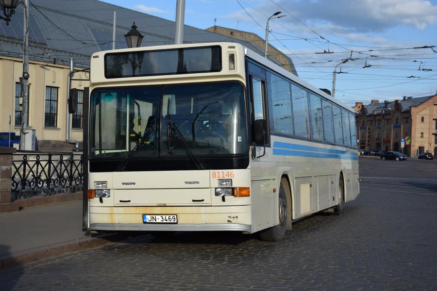 SIA Ekspress Adaži B1146/JN-3469 ved Riga Autoosta i Riga i Letland den 11. juni 2017