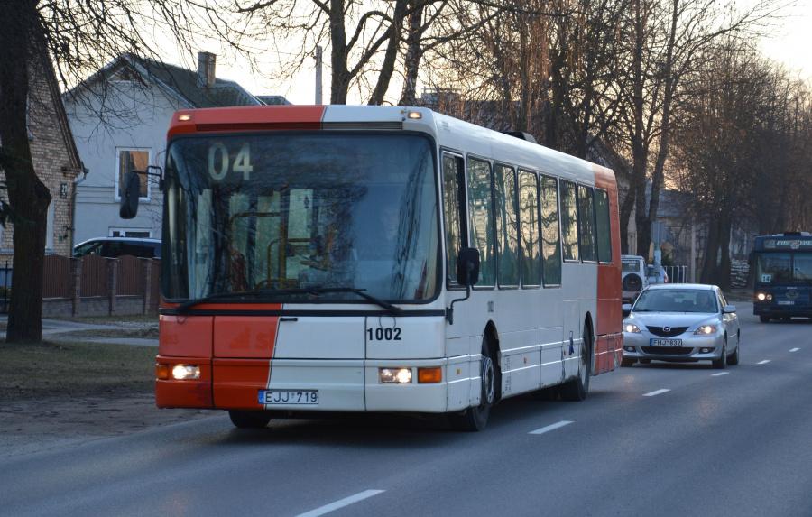 Busturas 1002/EJJ719 i Šiauliai i Litauen den 16. marts 2015