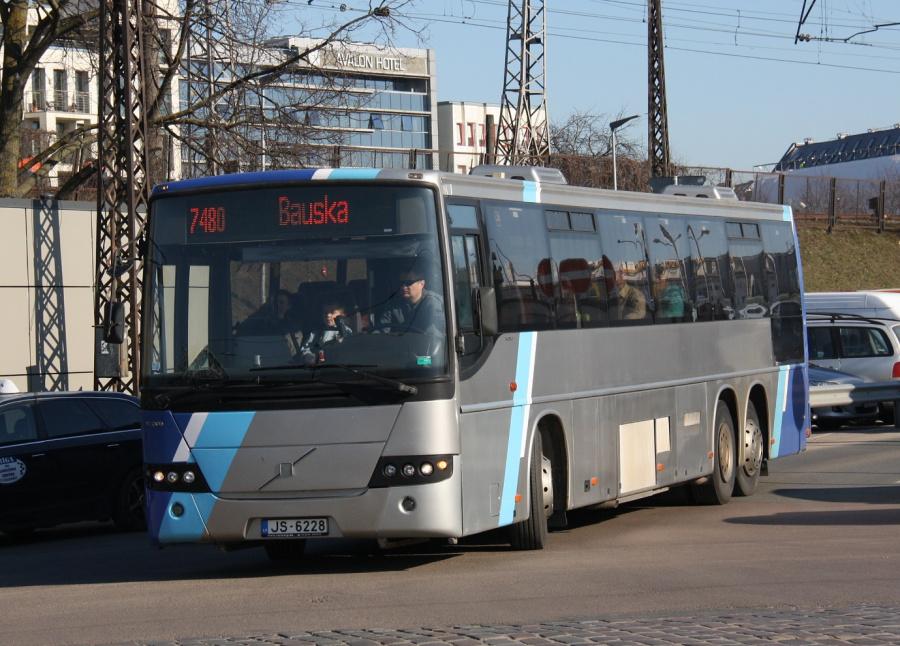 Sabiedriskais autobuss B106/JS-6228 ved Riga Autoosta i Riga i Letland den 16. marts 2015