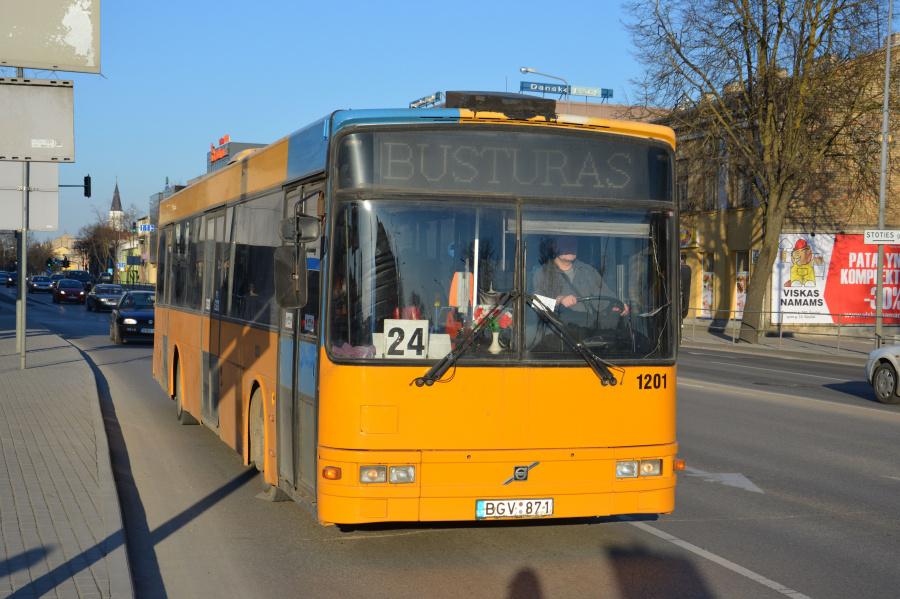 Busturas 1201/BGV871 i Šiauliai i Litauen den 16. marts 2015