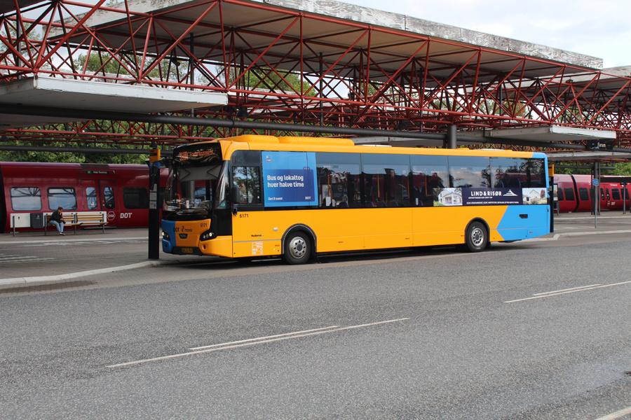 Nobina 6171/AS31955 ved Farum Station den 7. juli 2019