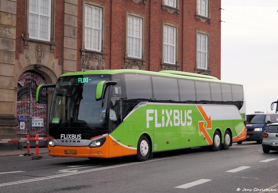 Hjallese Minibus BJ20646 på Titgensgade i København den 1. november 2019