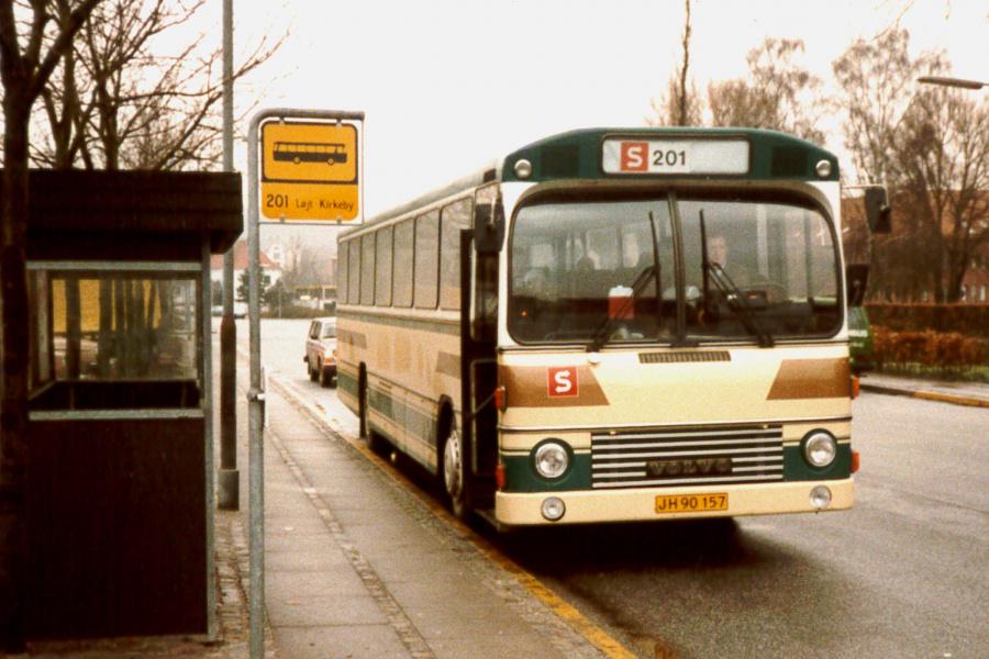 Løjt Kirkeby Buslinier JH90157 på Madevej i Aabenraa