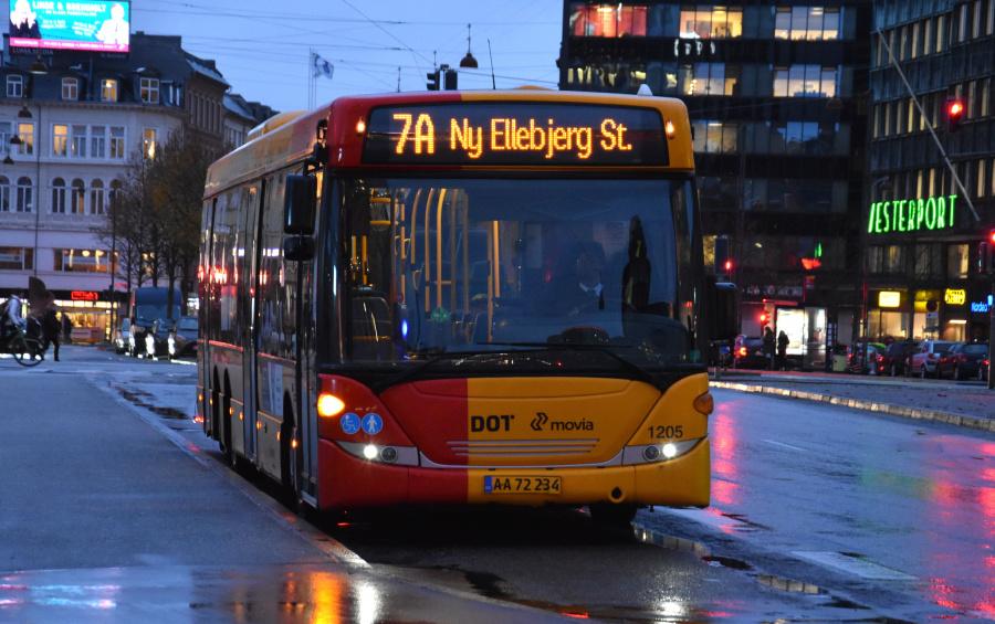 Arriva 1205/AA72234 ved Københavns Hovedbanegård den 19. november 2019