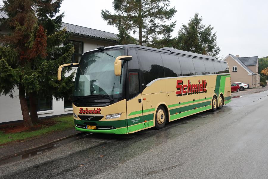 Schmidts Turisttrafik 4/BV55322 på Vardevej i Skibet ved Vejle den 13. oktober 2019
