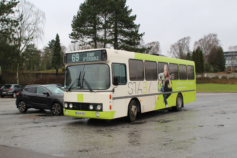 Staby Efterskole CW40354 ved Søndergade i Skive den 14. december 2019