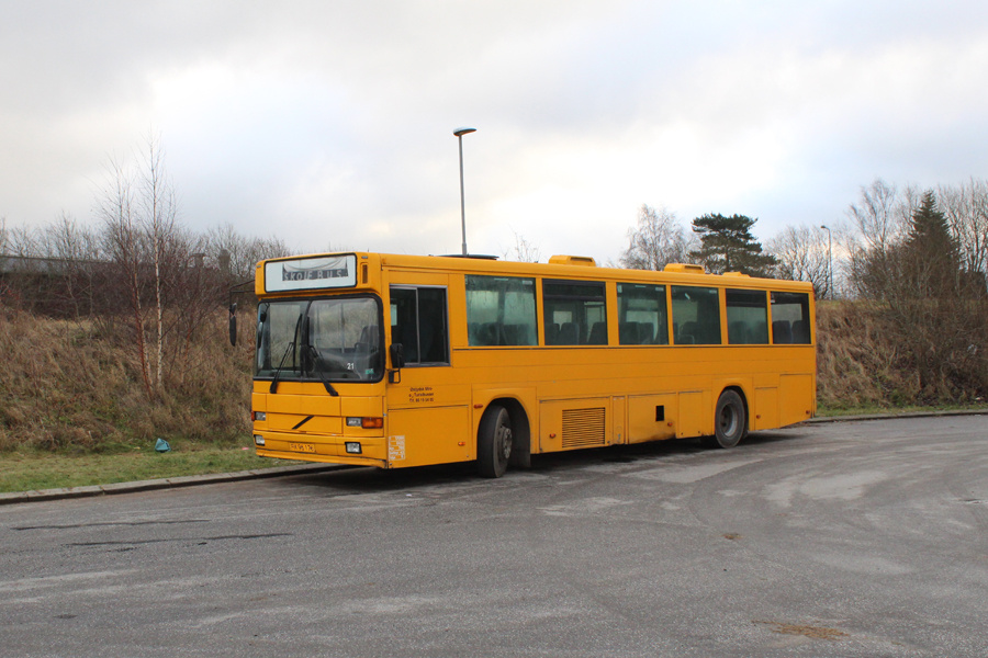Østjydsk Mini- og Turistbusser PX96176 på Elmegårdsvej i Hasselager den 13. december 2019