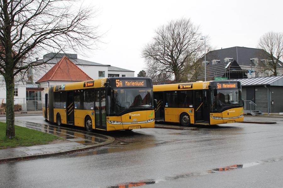 Århus Sporveje 469/VN97970 og 459/VN97964 på Dalgas Avenue i Århus den 3. december 2019