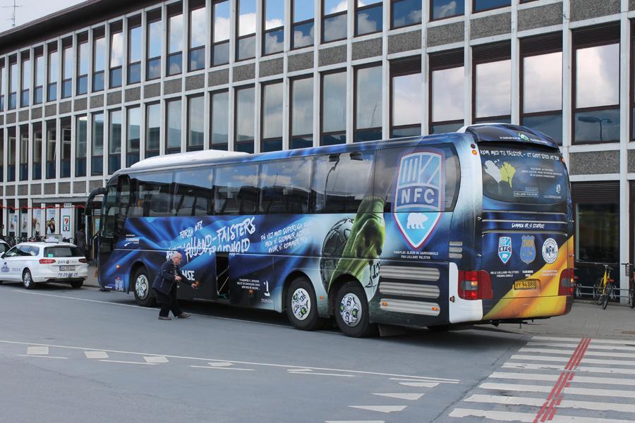 De Grønne Busser VY94888 ved Nykøbing F. Station den 18. april 2017