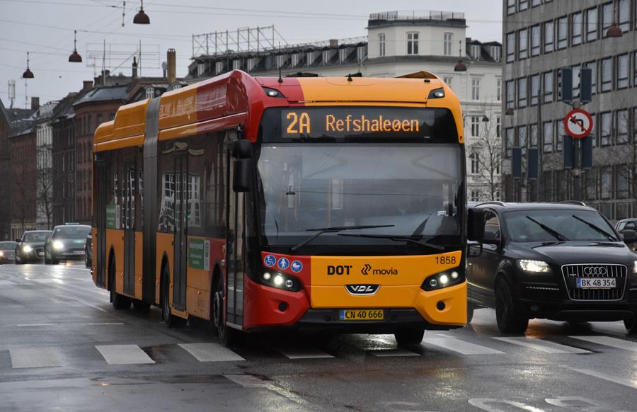 Arriva 1858/CN40666 på H.C.Andersens Boulevard i København den 24. december 2019