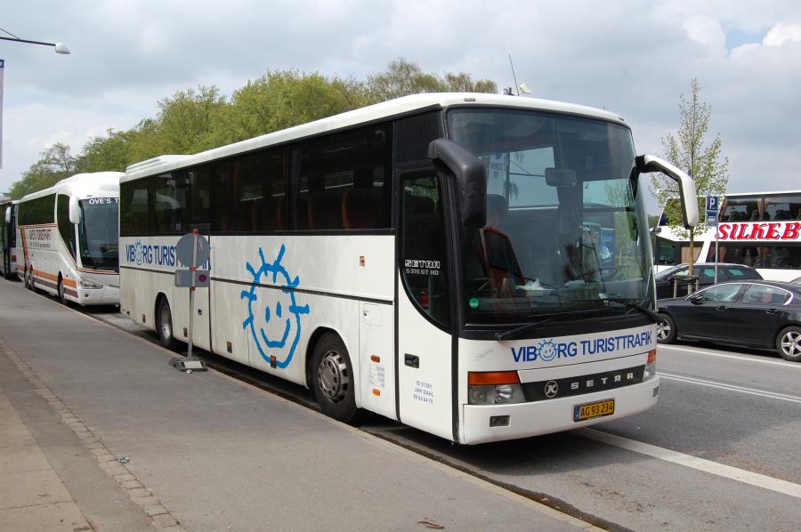 Viborg Turisttrafik AG93234 ved Fælledparken i København den 9. maj 2013