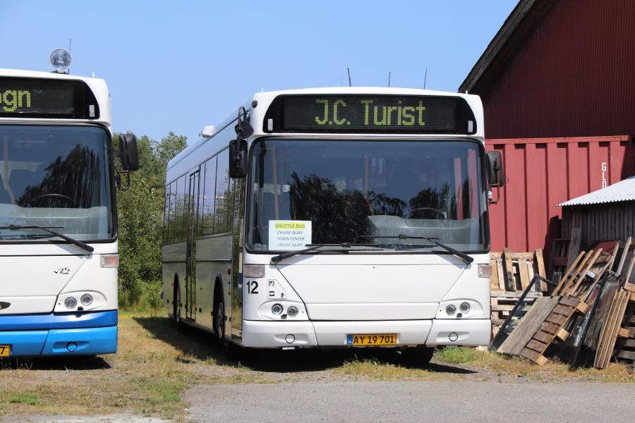 J. C. Turist 12/AY19701 ved garagen i Ålbæk den 14. juli 2019
