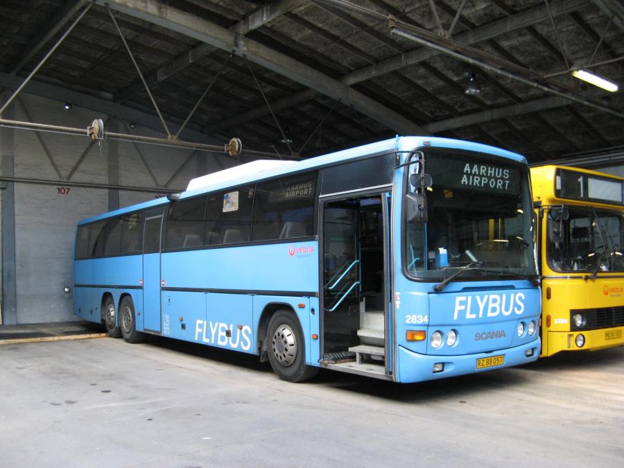 Veolia 2834/RZ88057 i garagen ved Århus Rutebilstation den 28. juni 2007