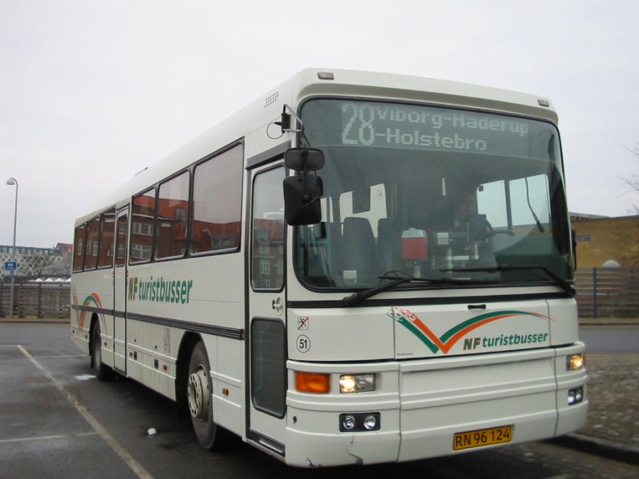 NF Turistbusser 51/RN96124 på Viborg Rutebilstation den 13. februar 2006