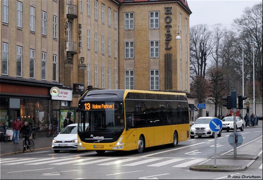 Århus Sporveje 183/CL51729 ved Banegaardspladsen i Aarhus den 29. februar 2020