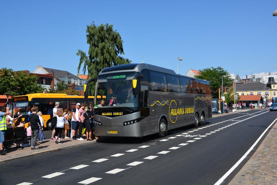 Allans Turist AN36326 ved Helsingør Station den 16. juli 2018