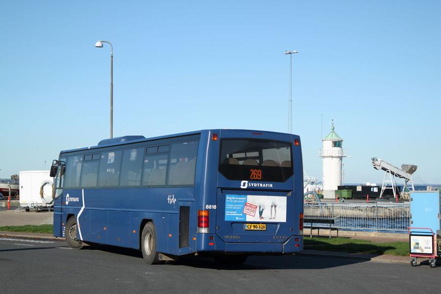 Tide Bus 8818/CF90328 ved Aarøsund Færgehavn den 29. oktober 2019