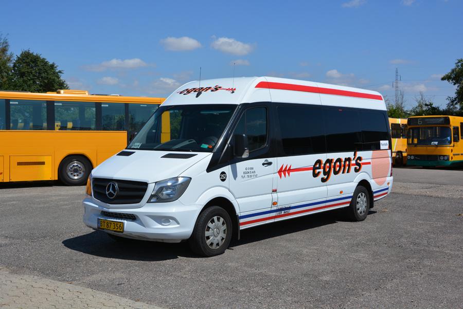 Egons Turist- og Minibusser 252/BT87356 i Skælskør den 20. juli 2018