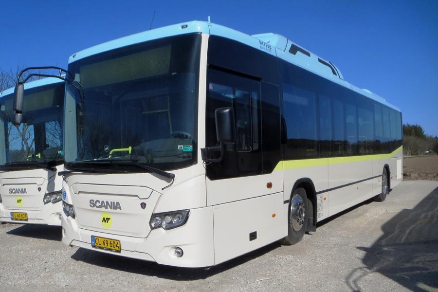 Arriva 2514/CL49604 i Brønderslev den 9. april 2020